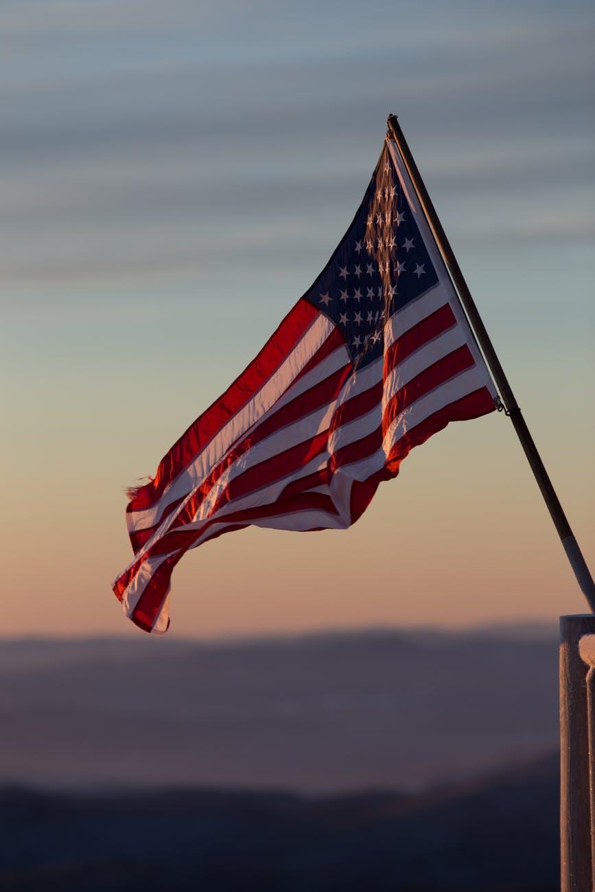 shallow photography of usa flag