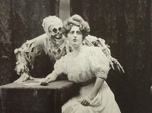 треков для хэллоуина