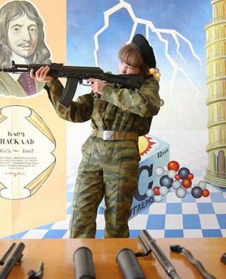 За школами закрепят воинские части