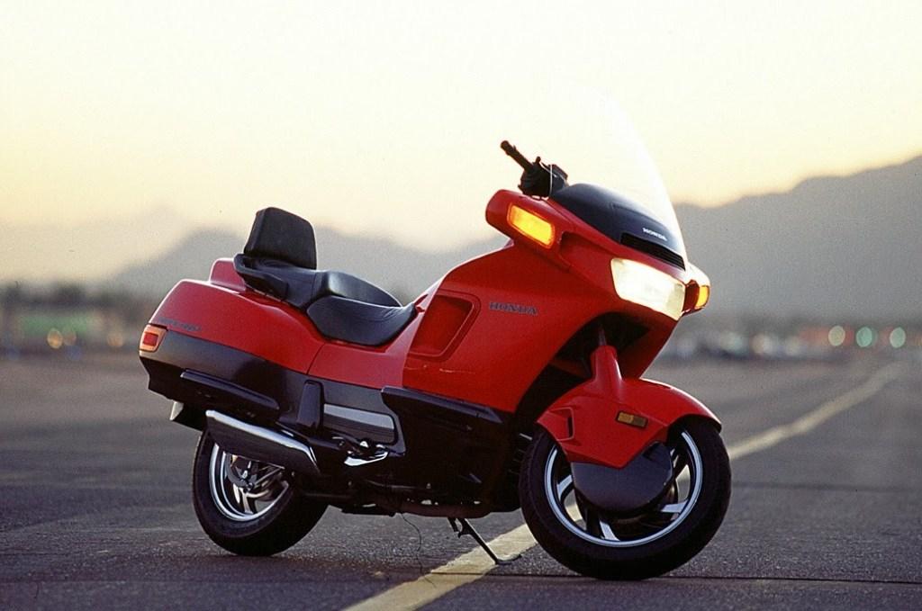 honda-pc800-featured