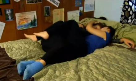 Cuddling shop gets 10,000 customers in first week