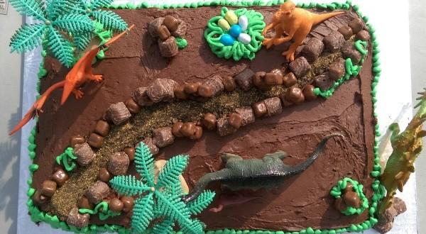 Easy Dinosaur Cake Birthday Party Ideas for Kids  You