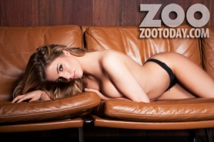 amy green jessica kingham040 - Amy Green and Jessica Kingham Outtakes for Zoo Magazine