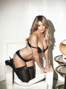 holly peers 0914 topless photos 14 - Holly Peers awesome outtakes for Nuts Magazine