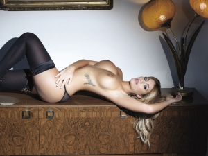 lucy collette topless  photos07 - Holly Peers awesome outtakes for Nuts Magazine