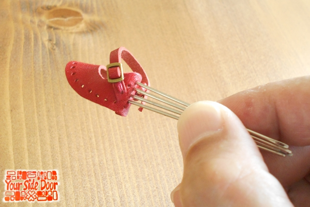 小人の靴を作ってます