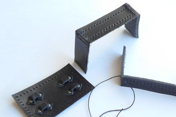 斜めに縫って箱型にしてゆきます