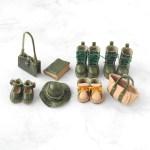 緑のミニチュアの革細工キットの完成サンプル