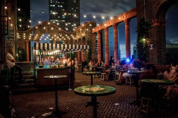 rooftop-bars-of-nycs-manhattan