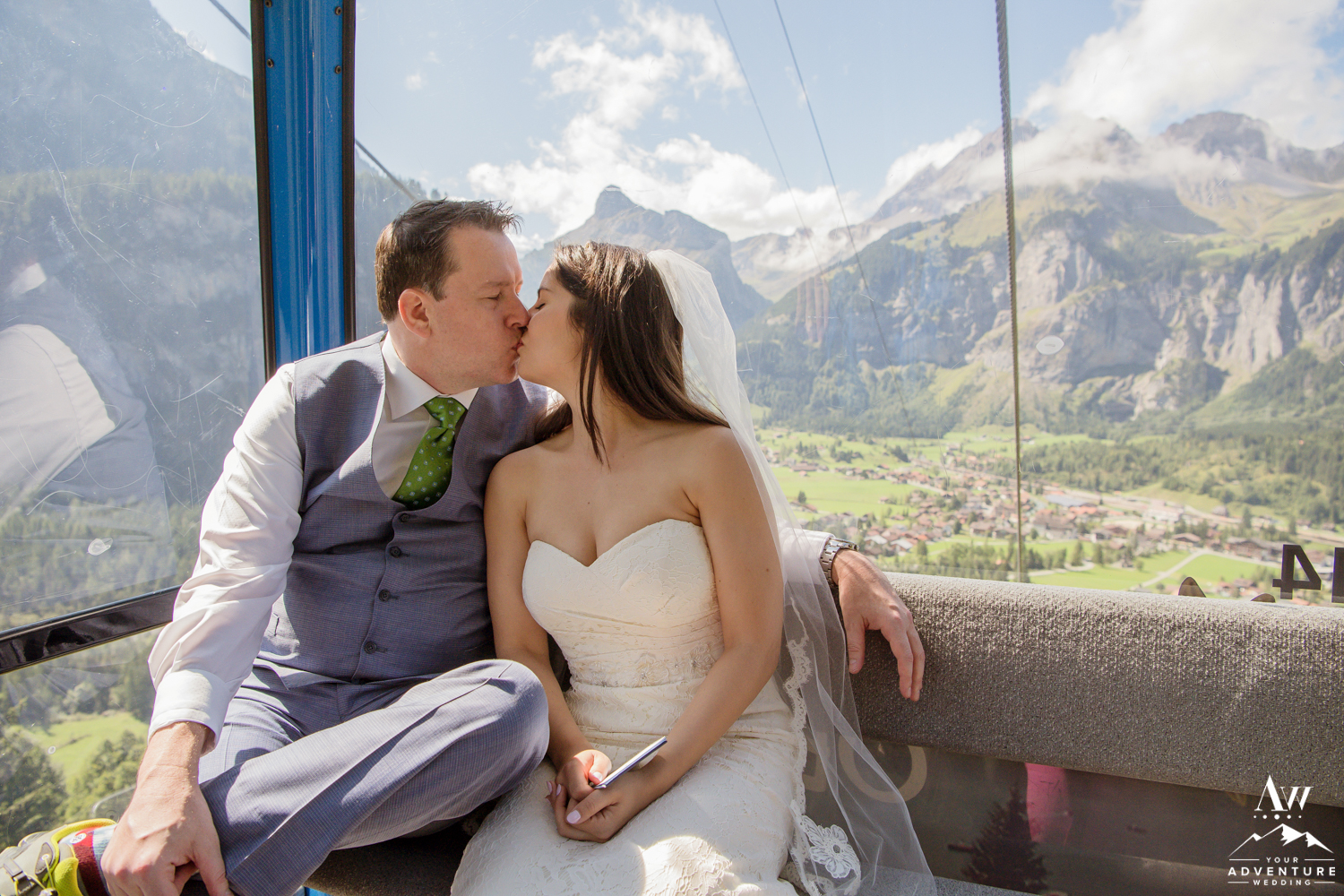 Couple kissing in oeschinensee gondola