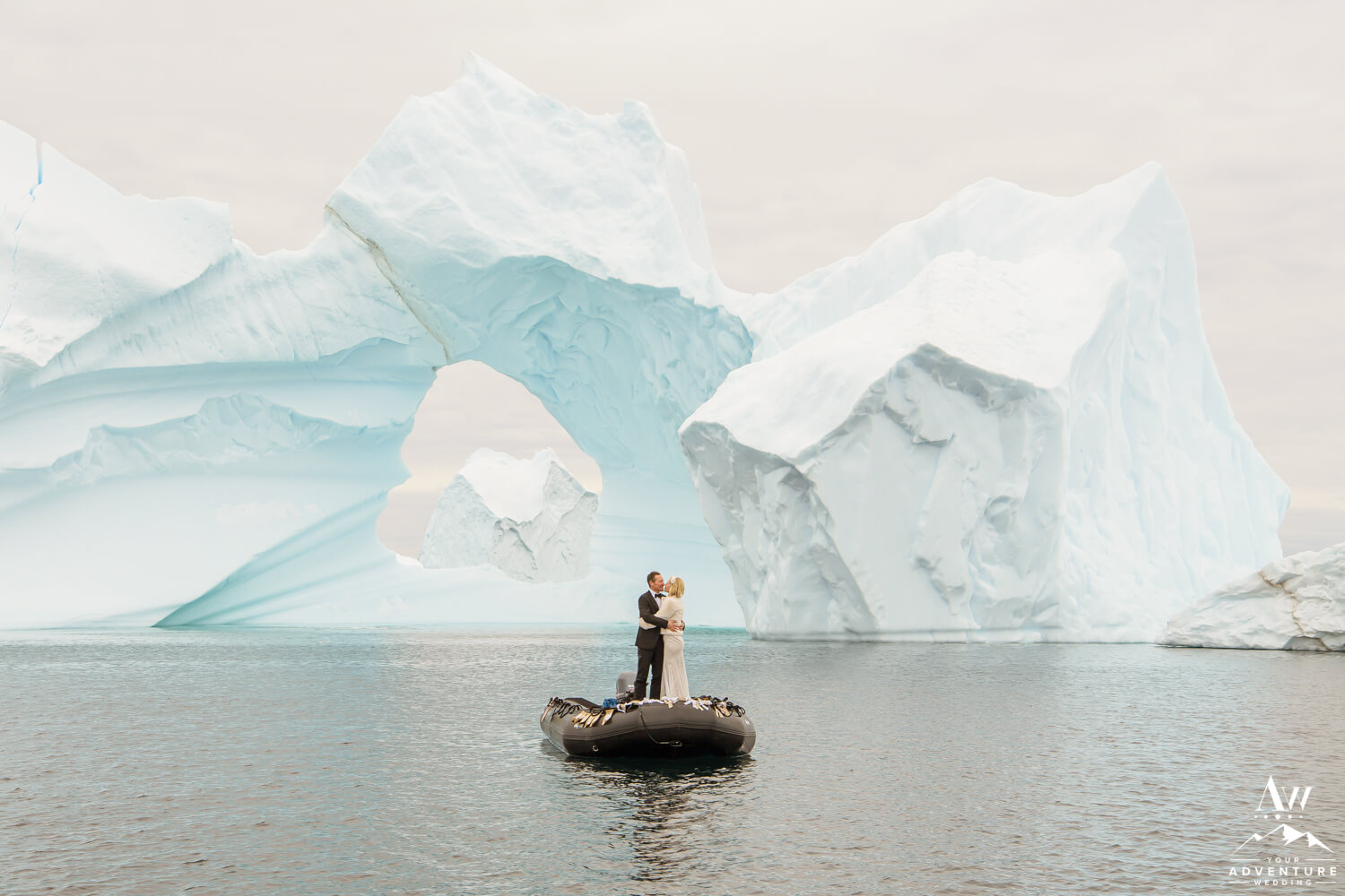 Antarctica Elopement Couple on Expedition