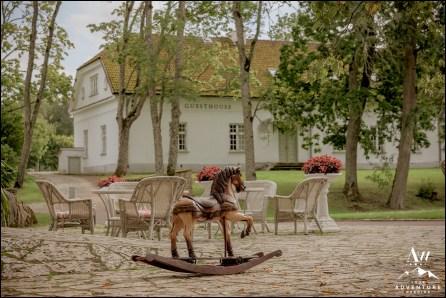 Estonia Wedding Photographer and Planner