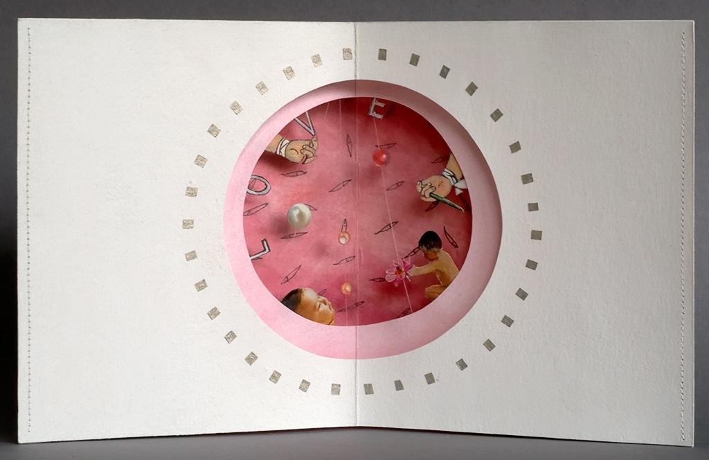Tomoko Kato: 'Babypearl', 3-dimensional paper art, signed, size: ca. 35 x 17,5 cm, Preis je € 490,-