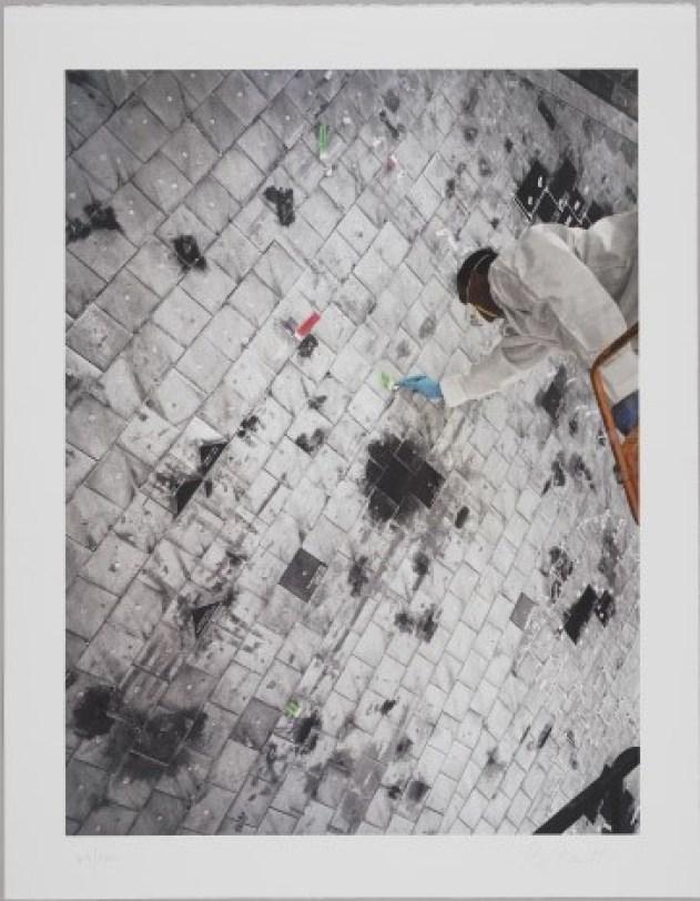 """Thomas Struth: Thomas Struth:""""""""Orbiter Processing, Kennedy Space Center, Cape Canaveral"""", Original-Lithografie auf 300 gr. Velin Arches Bütten, lim Auflage 100 Exemplare, signiert, nummeriert. Blattformat: 89 x 69 cm, Bildformat: 76 × 57 cm."""