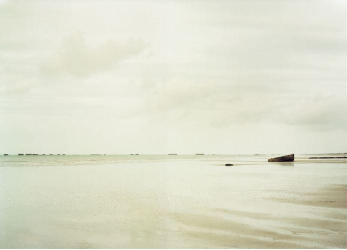 Elger Esser Arromanches-les-Bains II, Frankreich, 2009 20 x 24 in. (50.8 x 60.96 cm.)
