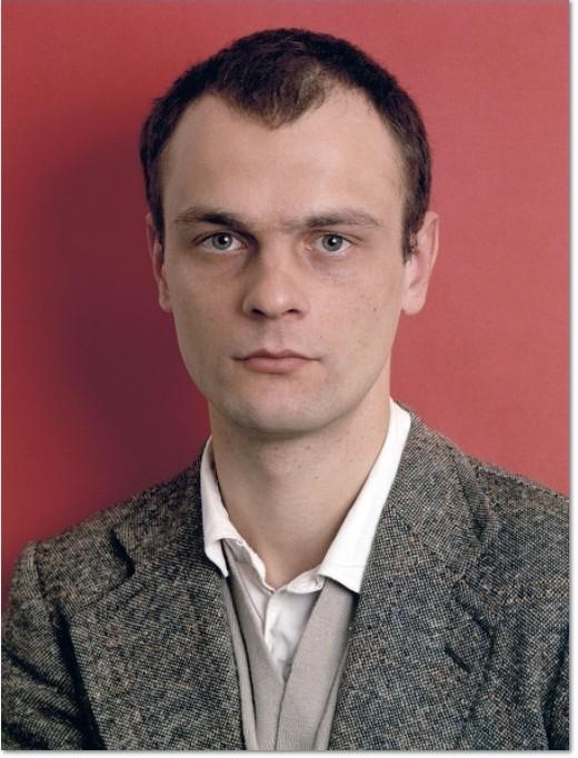 Thomas Ruff: ''Bernd Jünger, May 1985' ,C-Print, handsigniert und nummeriert en verso, Bildformat: 24 x 18 cm.