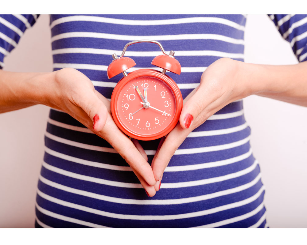 Lose Weight by Watching the Clock (Not the Scales!)