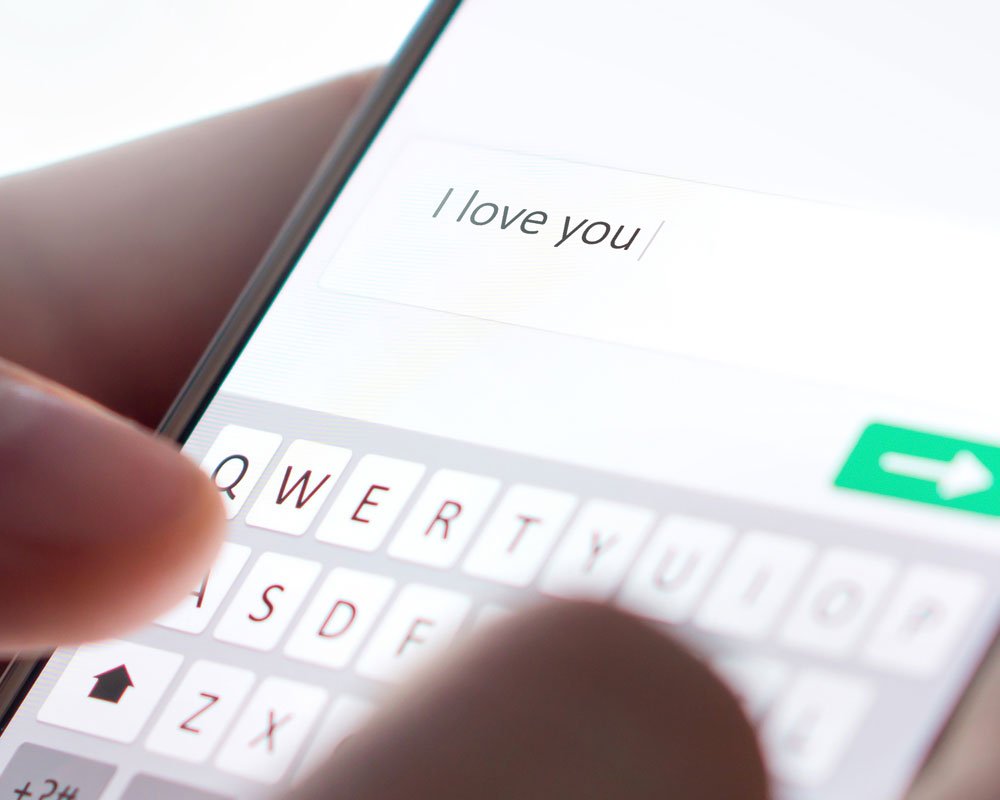 3 Texting Mistakes That Are SUPER Embarrassing!