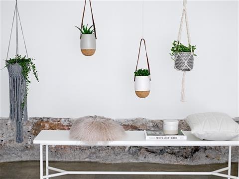 Plantenhanger Bloomingville- 57,95 euro