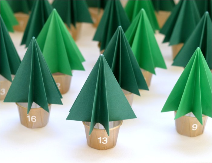 """DIY Christmas tree advent calendar"""