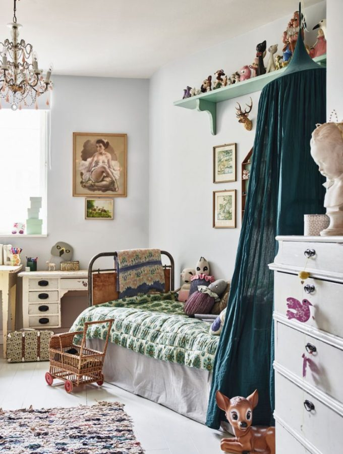 How to create a stunning vintage kids room