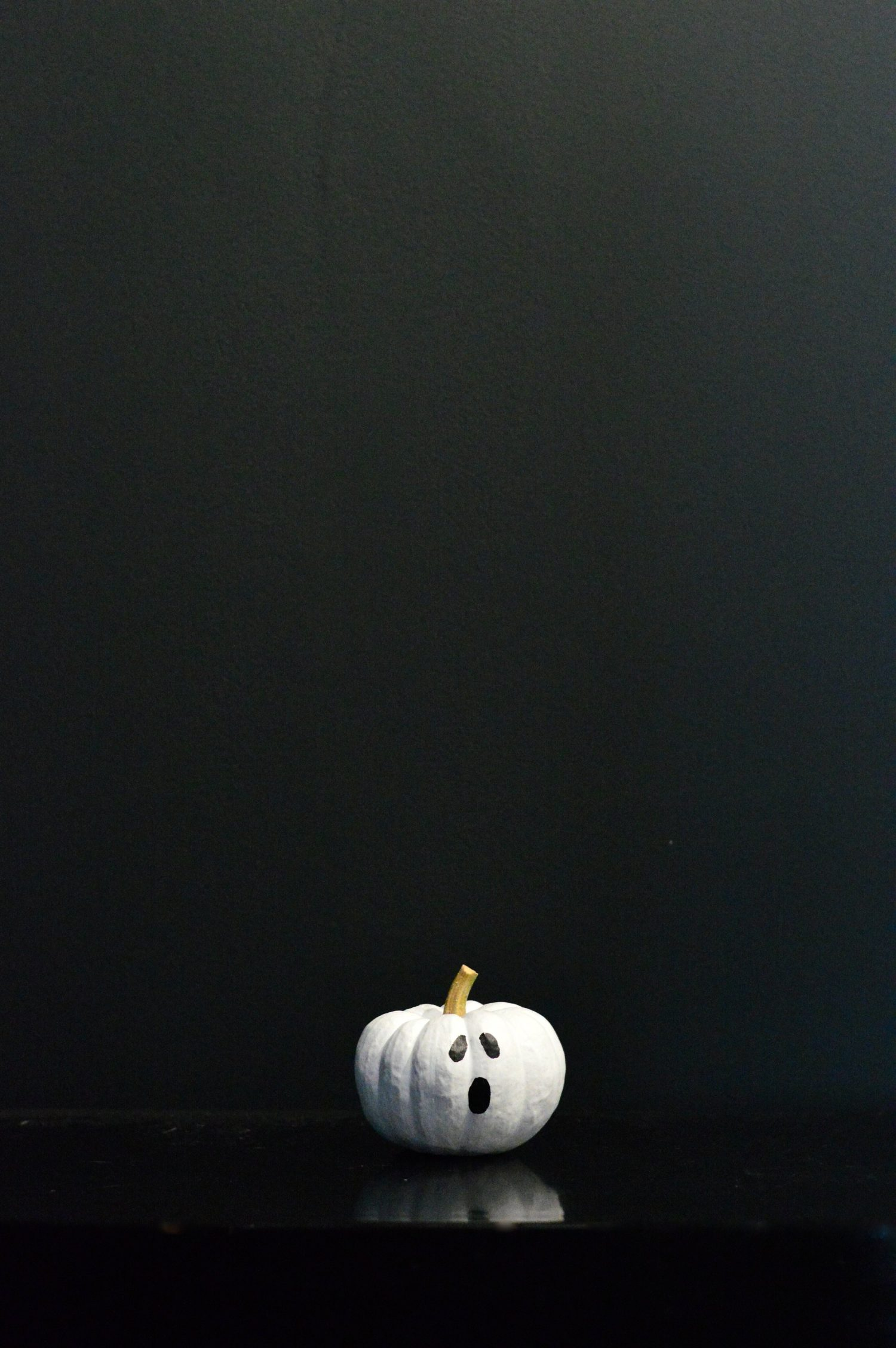 10 Minute Diy A Not So Spooky Painted Pumpkin Family