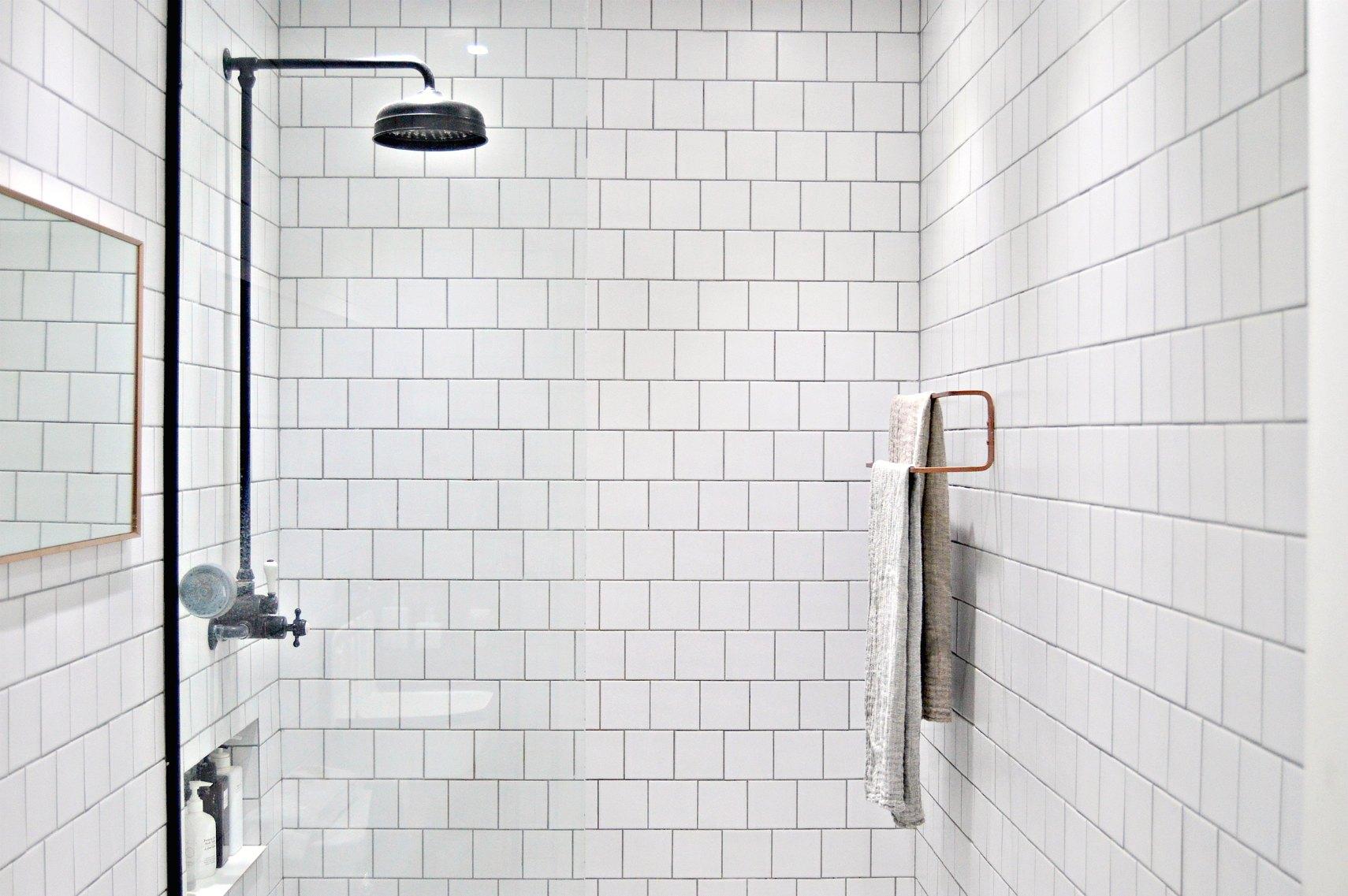 10 minute diy ikea towel rail hack diy home decor for Bathroom decor hacks