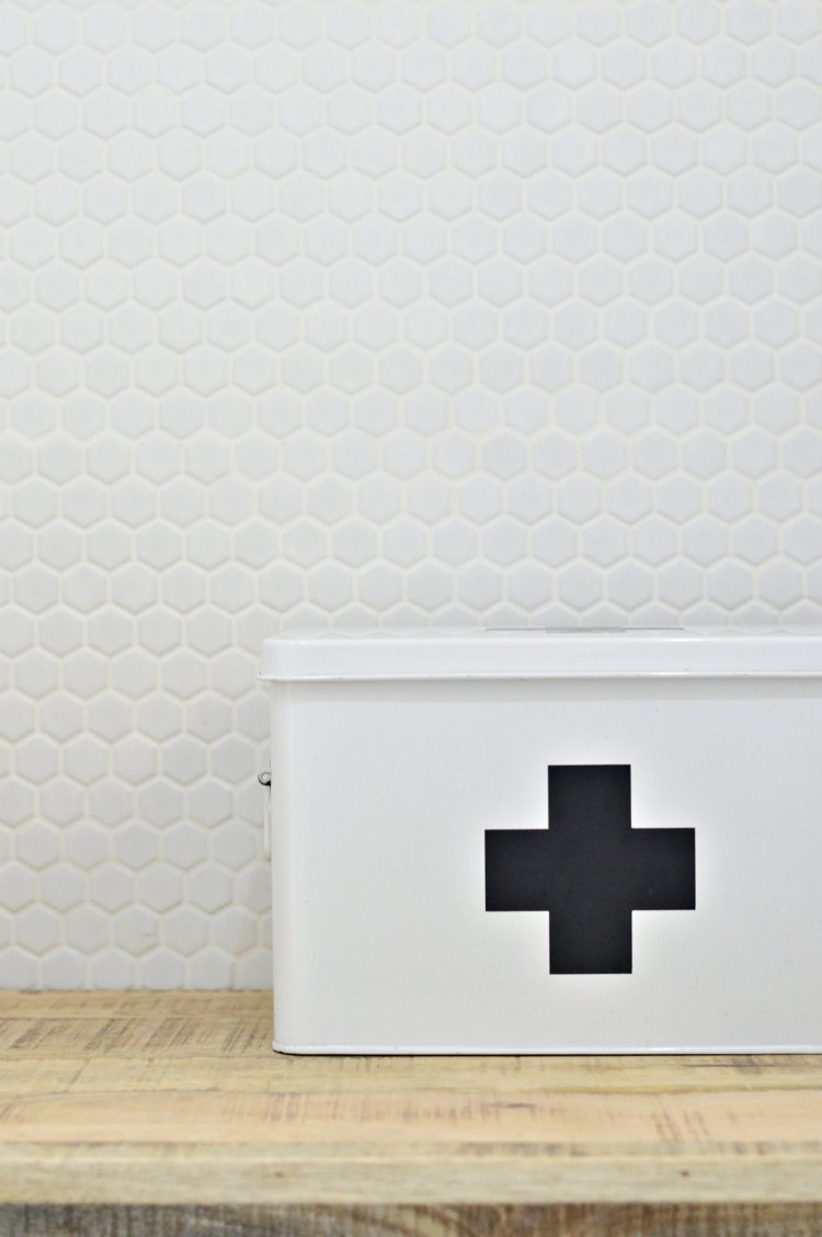 medicine storgae idea bathrooms