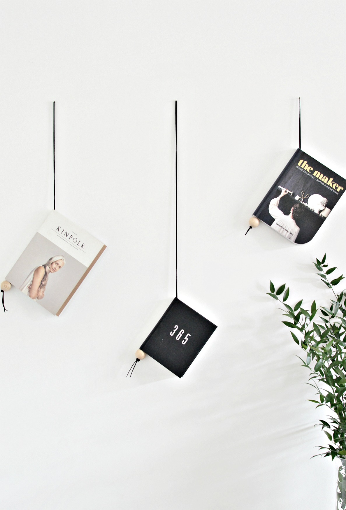 Minimal suede and wood magazine holder DIY - DIY home