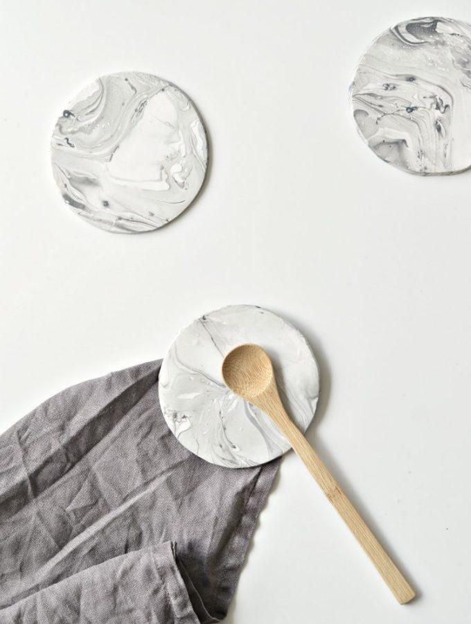 faux marble coasters DIY