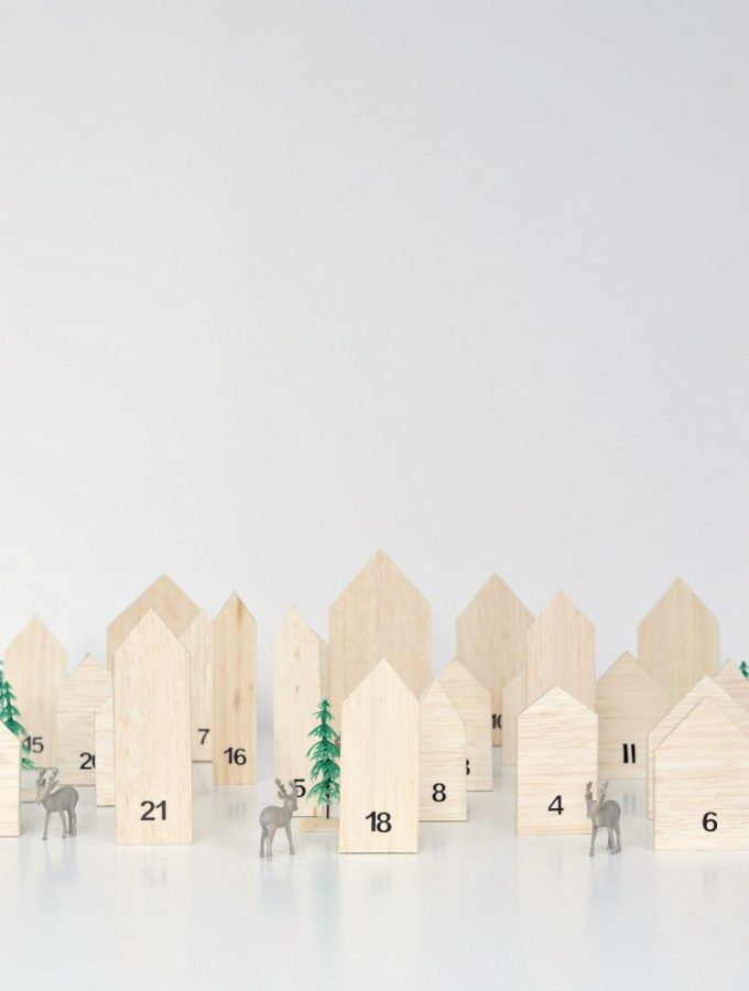 Make this! Mini house wooden advent calendar
