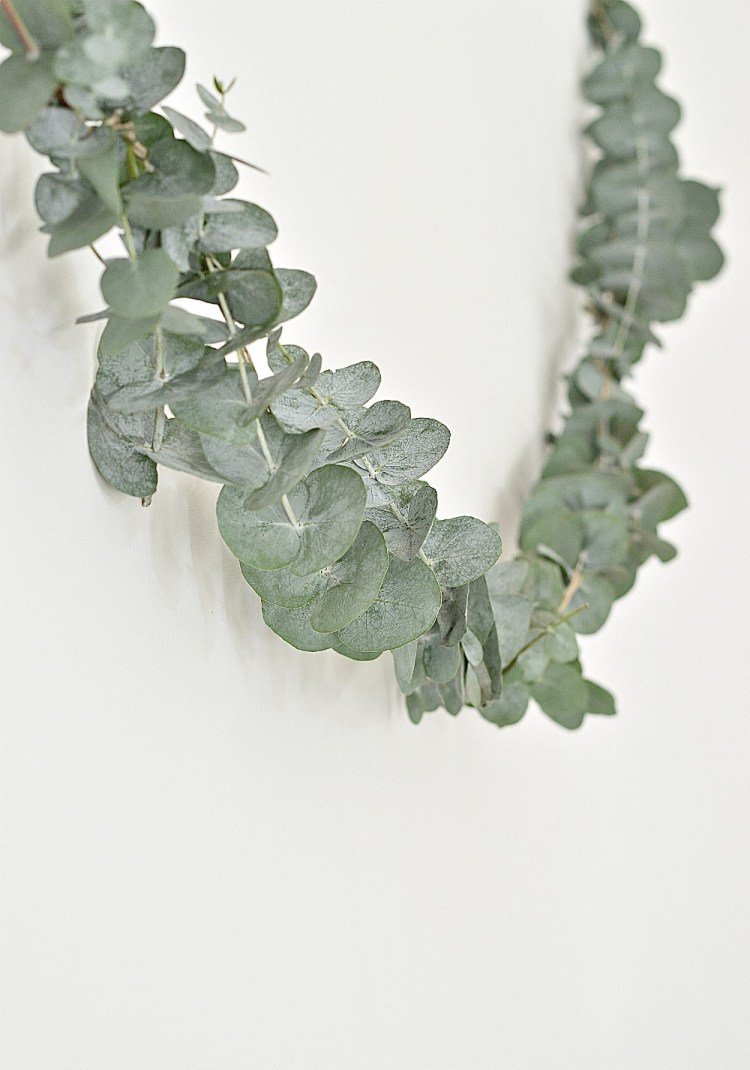 how to make a eucalyptus garland