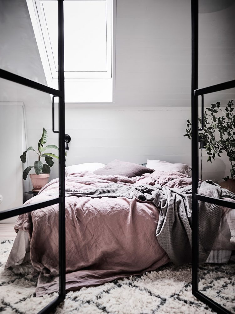 11 tips for a scandinavian style bedroom (that you can re ...