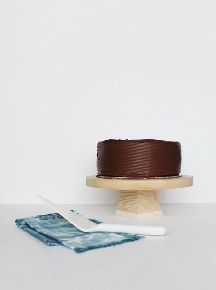 DYI wood cake stand