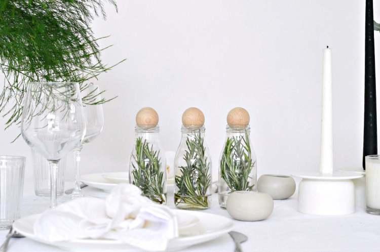 modern table setting Christmas