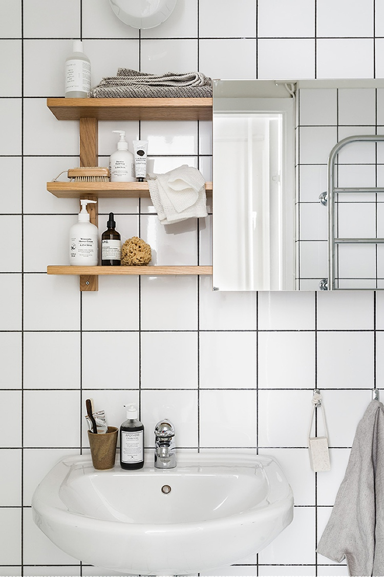 how to update bathroom on a budget