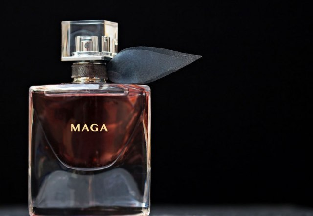 Trump-is-Selling-Urine-Scented-Perfume-MAGA
