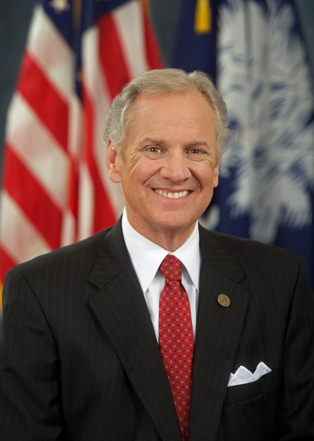 Henry McMaster farts national anthem at super bowl