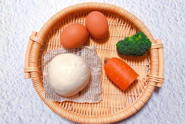 寶寶主食之「蛋黃炒饅頭」 | 美食頭條