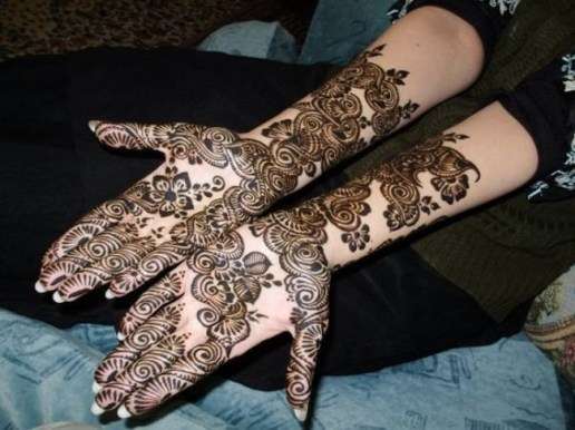 Fancy Mehndi Designs For Summer Season Weddings 13