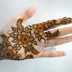 Fancy Mehndi Designs For Summer Season Weddings 2