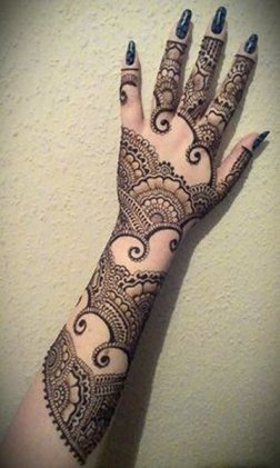 Fancy Mehndi Designs For Summer Season Weddings 6