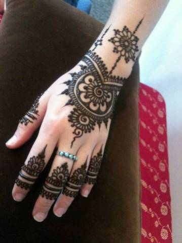 Fall Mehndi Designs For Brides and Guests 2016-17 7