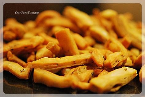 Pic2 of Namak Paray recipe at yourfoodfantasy.com by meenu gupta | like us on https://facebook.com/yourfoodfantasy