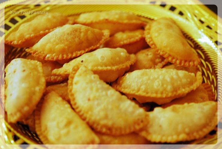 Gujiya recipe at yourfoodfantasy by meenu gupta | yourfoodfantasy