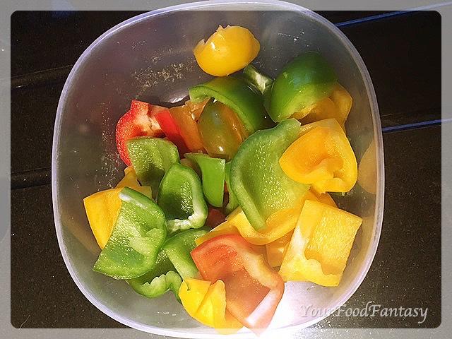 bell peppers for paneer tikka | paneer tikka recipe at yourfoodfantasy.com by meenu gupta