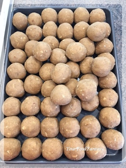 Recipe for Wheat Flour Ladoo | YourFoodFantasy.com