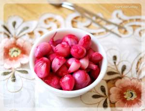 Pickled Onion - Sirke Wali Pyaz Recipe | Your Food Fantasy