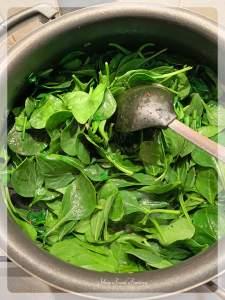 How to make palak kadhi | Your Food Fantasy
