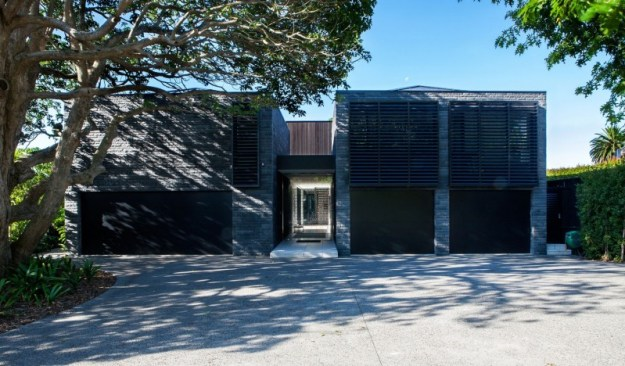 Private residence Godden Cres by Architects & Associates-13